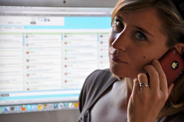Rebecca Bollwitt with HootSuite dash