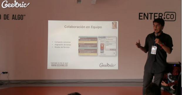 El sabio búho Dayro Quintero explica a los chicos de Geeknic cómo usar HootSuite para empezar movimientos digitales en pro de un objetivo.