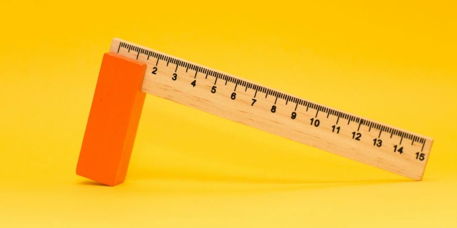 Balancing ruler