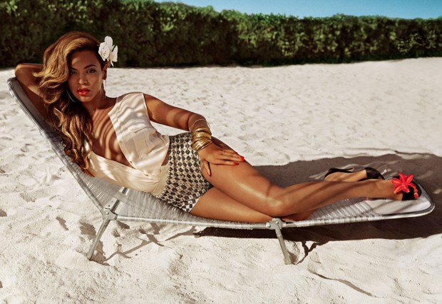 H&M's new summery mascot, Beyonce. Ad from H&M