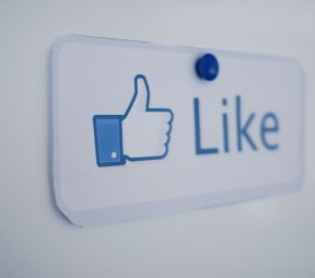Social Media-Likes