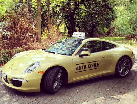Porsche 911 Carrera 4 auto-école Hootsuite