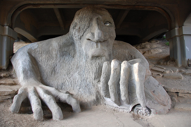 freemont-bridge-troll