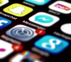 A Guide to Crafting the Perfect Snapchat Story | Hootsuite Blog