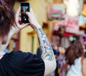 The Key to Smart, Safe, and Successful Social Media Takeovers | Hootsuite Blog