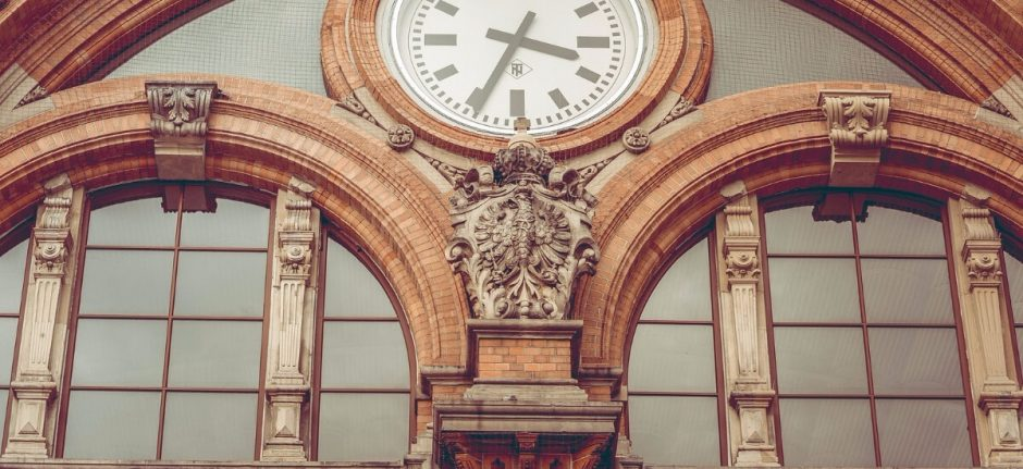 How to Manage Social Media for Business in Only 18 Minutes a Day   Hootsuite Blog   Construye tu estrategia de redes sociales en 18 minutos al día
