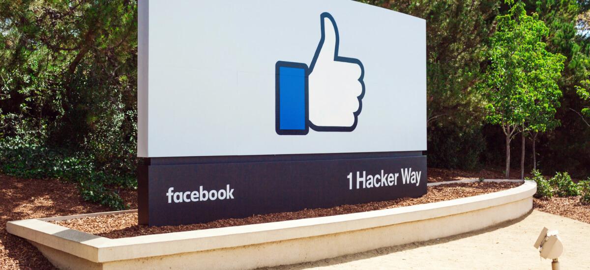 ceos-on-facebook-1200x550 | ES: Alcance orgánico con Facebook