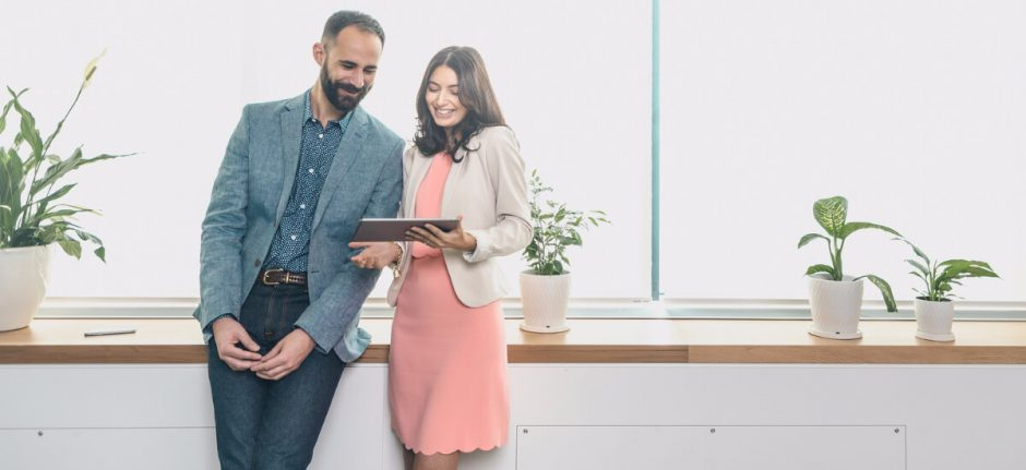 Connect via Hootsuite: Learn How Social Impacts the Customer Journey | Hootsuite Blog