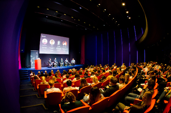 Expert Panel Discusses the Future of Social Customer Engagement   Hootsuite Blog