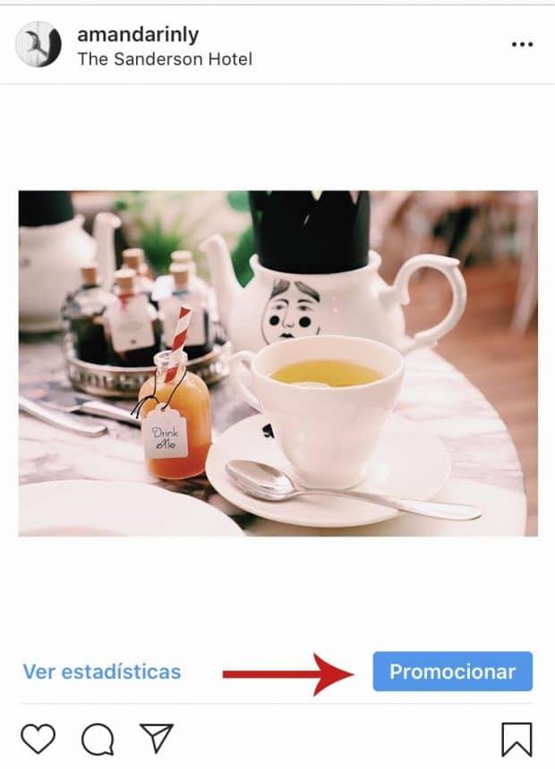 Publicación de Instagram de AMANDARINLY que destaca el botón Promocionar en la esquina inferior derecha